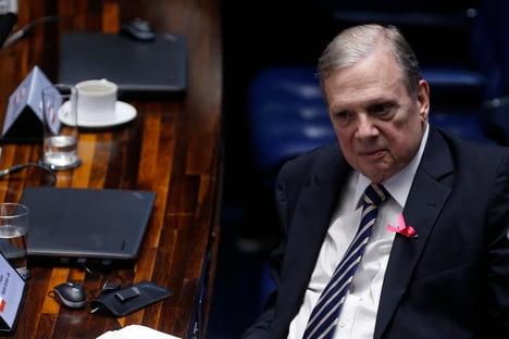 Tasso diz que Bolsonaro cometeu crimes de responsabilidade, mas não defende impeachment
