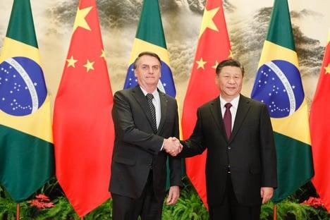 Bolsonaro anuncia satélite em parceria com a China
