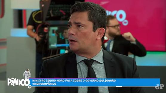 """Tatue mesmo """"Bolsonaro 2022"""" na sua testa, Moro"""