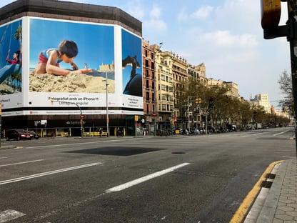 Barcelona retoma isolamento social