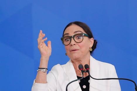 Regina Duarte quer a vacina da imortalidade
