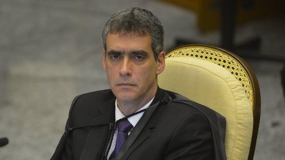 Ministro do STJ cobra posicionamento 'firme' contra inquérito sobre Lava Jato