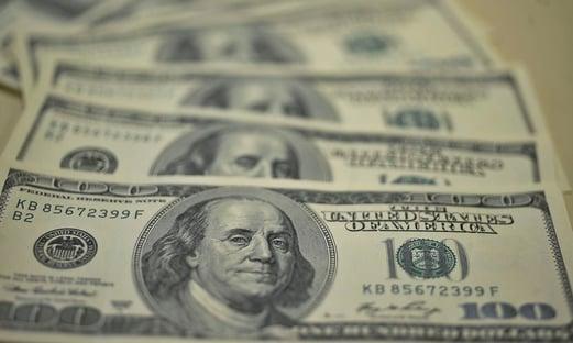 Banco Central intervém, mas dólar continua subindo