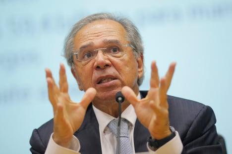 Tarifa zero na importação de armas tem efeito financeiro baixo, diz Guedes