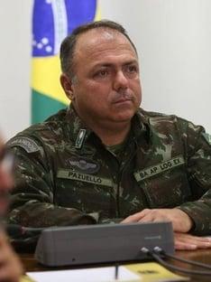 Governo confirma Pazuello como ministro interino da Saúde