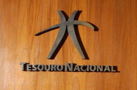 Calotes de governadores e prefeitos sobem 17%, e Tesouro banca
