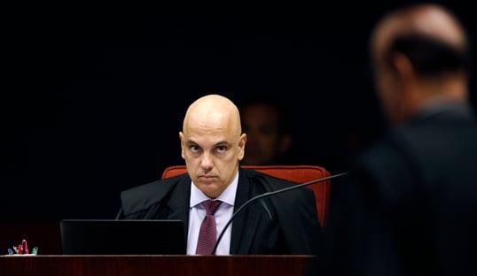 Senador tucano pede que Moraes esclareça prisão de Silveira