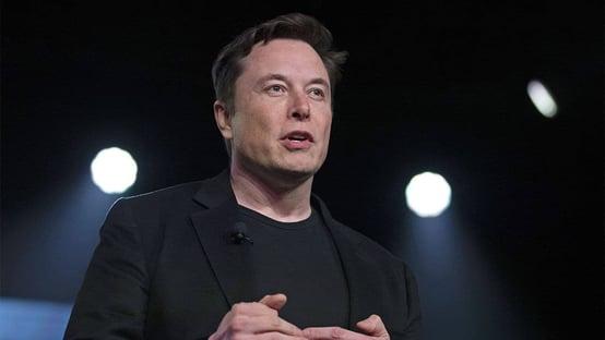 Nasa contrata SpaceX para levar astronautas à Lua em 2024