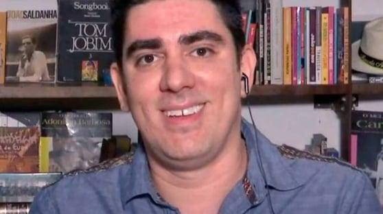 """Adnet responde a Mario Frias e Secom: """"Não aguentam uma sátira"""""""