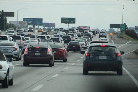Concorrente do Uber suspende operação na Califórnia