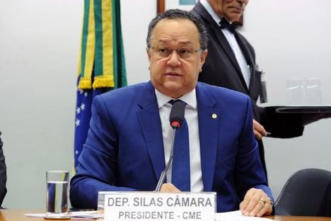 Bancada evangélica se reunirá amanhã para debater veto parcial de Bolsonaro