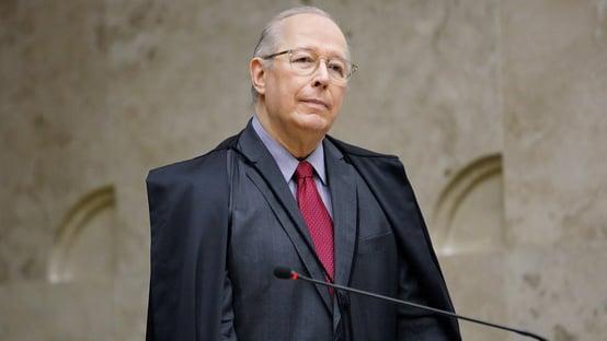 "Celso de Mello diz que Bolsonaro ""se comporta como um monarca presidencial"""