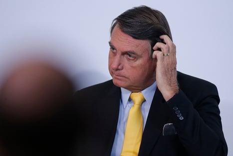 Policiais chamam Bolsonaro de traidor e ameaçam protestos pelo país