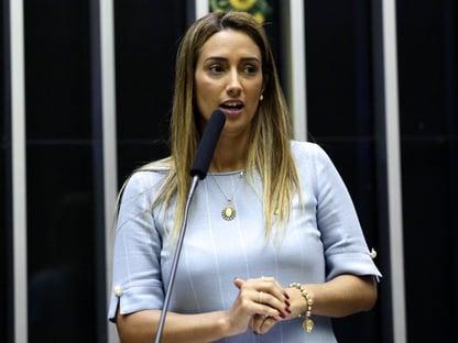Flávia Arruda é eleita presidente da Comissão de Orçamento