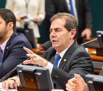 Solidariedade confirma que trocou Lira por Baleia