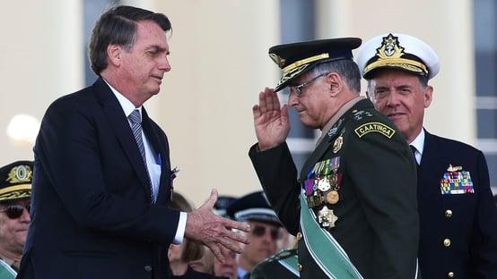"""Bolsonaro: """"Forças Armadas devem se manter apartidárias"""""""
