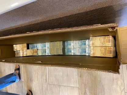 Em operação que mira ex-deputado, PF encontra dinheiro em caixas de TV