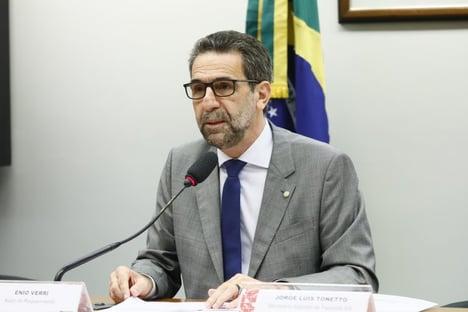 """Líder do PT, sobre Daniel Silveira: """"A situação dele é de prisão e cassação"""""""