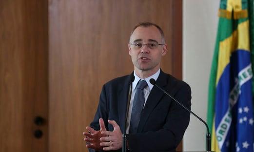 Mendonça diz ser contra projeto que tira poder de governadores sobre polícia