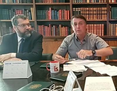 Bolsonaro defende Ernesto Araújo, mas o orienta a não comentar medidas de Biden