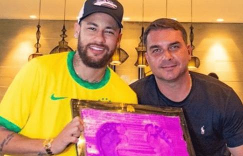 Neymar bloqueia comentários após foto com Flávio Bolsonaro