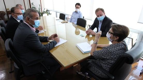 Tereza Cristina se reúne com CEO da JBS