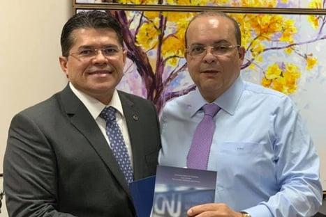 Investigado por fraudes, sócio de Ibaneis mantém posição de prestígio na OAB