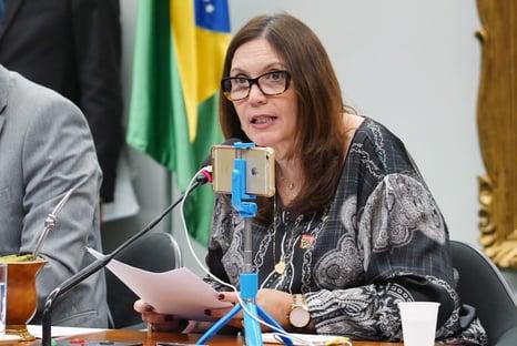 Esquerda marca reunião de emergência para discutir situação de Bia Kicis na CCJ