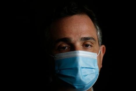 """Projeto que regulamenta compra de vacinas visa dar """"segurança jurídica"""", diz Pacheco"""