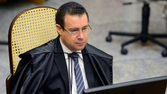 Nefi Cordeiro antecipa aposentadoria e Bolsonaro avalia substituto