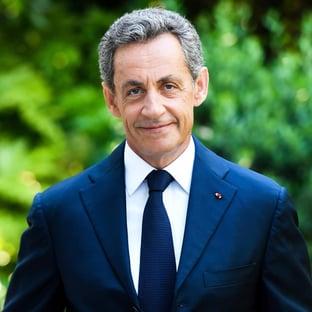 Sarkozy furou a fila da vacina na França, diz revista
