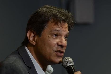 Haddad, o poste de Lula, assume que foi poste em 2018