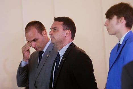 Promotora que investiga Flávio é madrinha de casamento da advogada de… Flávio