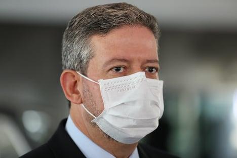 Lira minimiza troca no comando da Petrobras