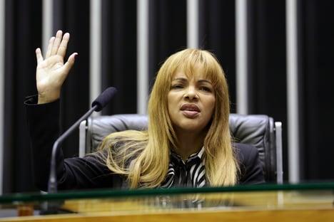 """Flordelis recebe alta após ser internada por """"excesso de medicação"""""""