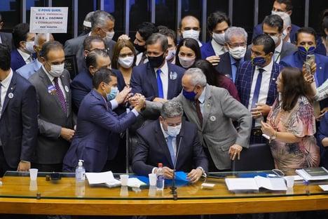 Centrão quer blindagem total em busca e apreensão contra parlamentares