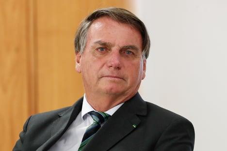 Bolsonaro é ovacionado em jantar com empresários, diz participante