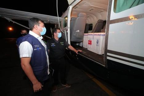 Depois de passagem por engano pelo Amapá, vacinas chegam ao Amazonas