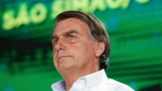 Bolsonaro diz que vai enviar projeto para ampliar atividades essenciais