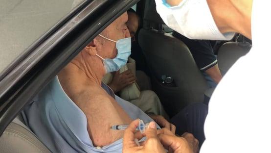José Serra vacinado contra a Covid-19