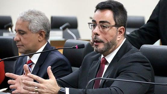 Bretas se declara suspeito para julgar caso de corrupção no governo Witzel