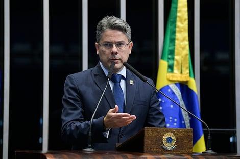 """""""É preciso que exista a responsabilização"""", diz Alessandro Vieira, sobre CPI da Covid"""