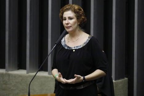"""Carla Zambelli: """"Estendemos nossa solidariedade à sua família"""""""