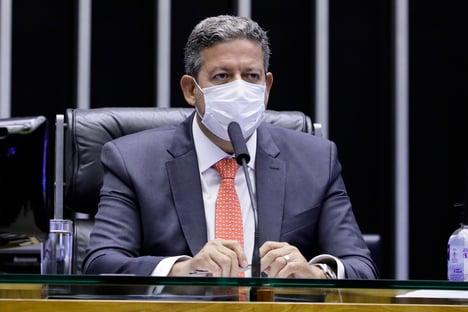 Lira quer esfriar discussões sobre PEC da Imunidade para instalar comissão especial