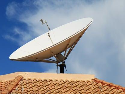 Leilão do 5G vai bancar troca de parabólica para 8 milhões de famílias