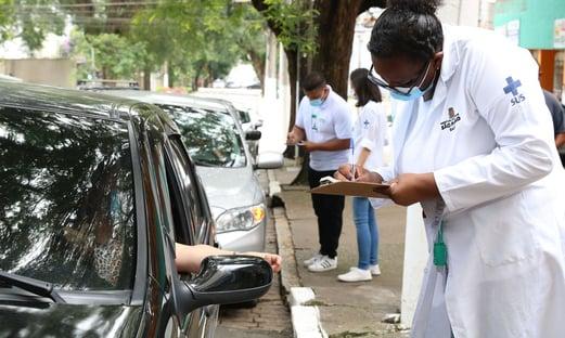 Juiz autoriza que motoristas de Uber de Brasília importem vacinas contra a Covid