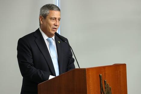 """Braga Netto: """"Forças Armadas atuam sob autoridade suprema do presidente, mas dentro da Constituição"""""""