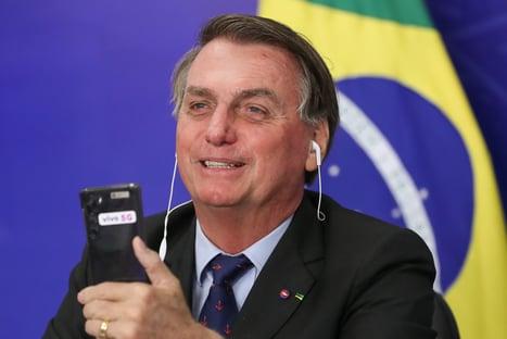 Bolsonaro diz que CPI é xaropada e que queria participar para rebater senadores