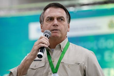 Bolsonaro descartou plano da Secom que previa vaciná-lo antes