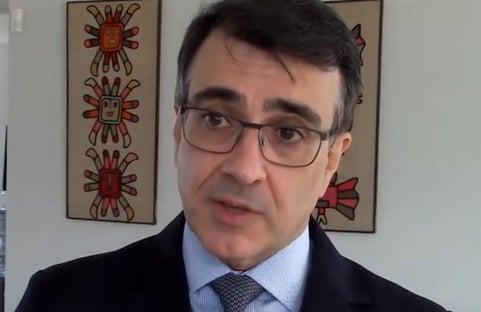 """Em posse, sucessor de Ernesto Araújo fala em """"diplomacia da vacina"""""""